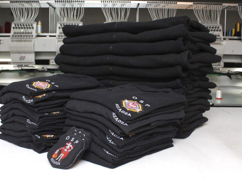 Koszulki strażackie POLO, naszywki i polary dla OSP Rządza gotowe do wysyłki.