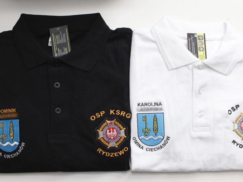 Indywidualne koszulki polo z herbem Gminy Ciechanów i krzyżem związkowym OSP